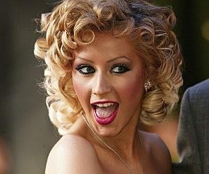 Christina Aguilera Opens Harrods Summer Sale