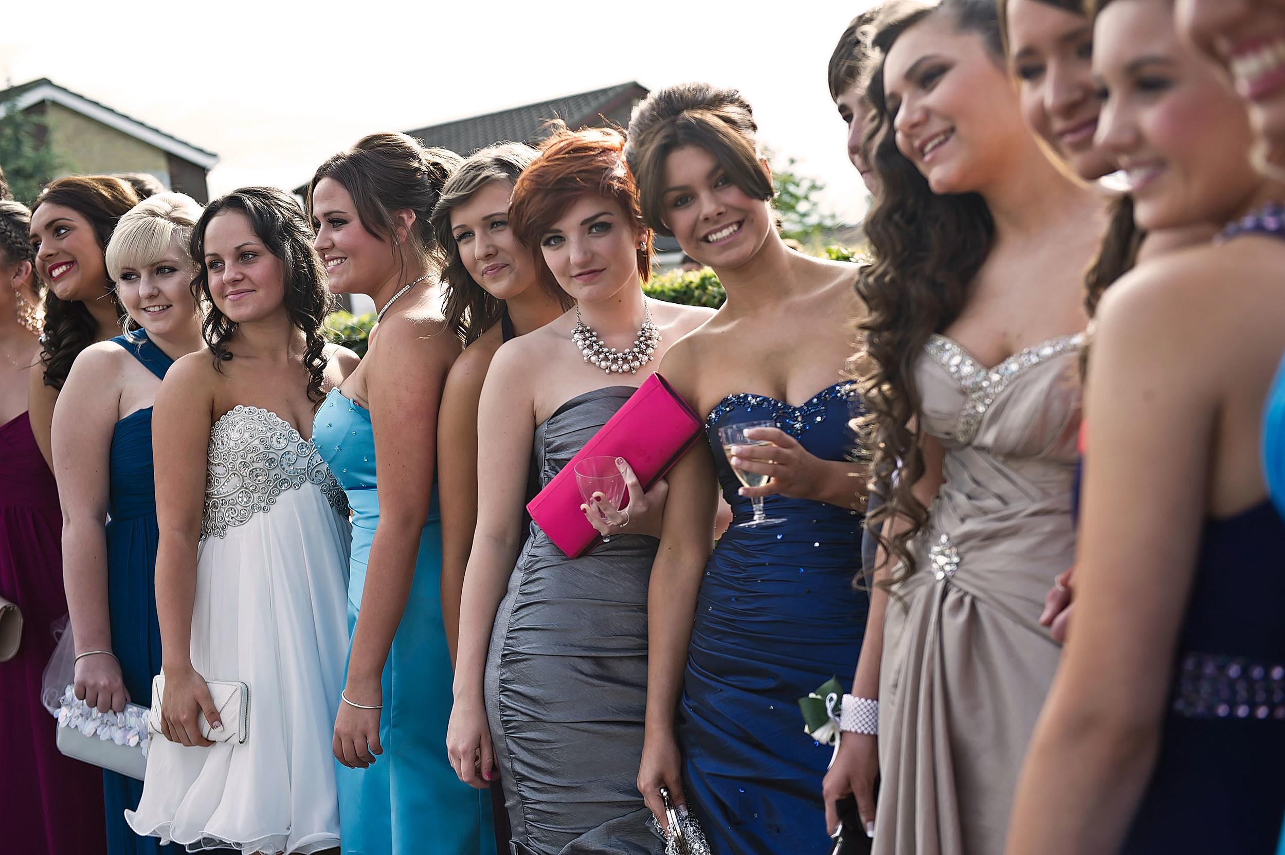 High School Girls Take No Tan For Prom Pledge