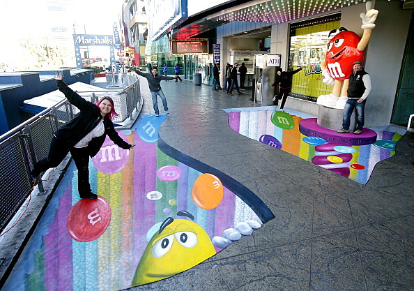 M&M'S World Las Vegas Celebrates Opening Of World's Largest Candy Wall With A 3-D Chalk Art Reproduction